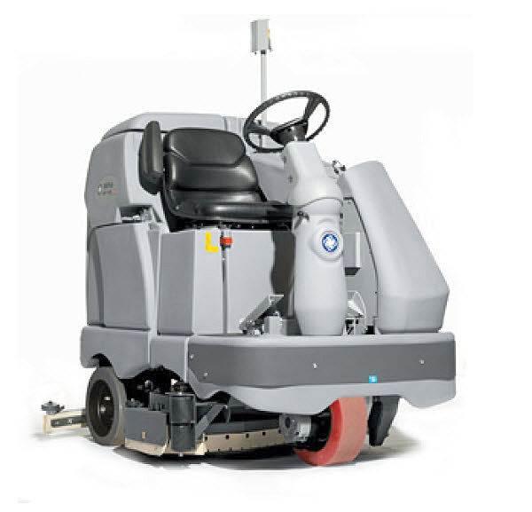 Аппарат, оснащенный сиденьем для водителя.