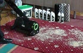 Чем чистить ковролин дома – сухой способ