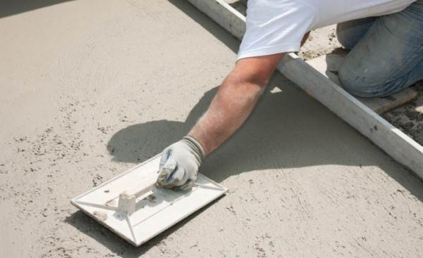 Чтобы не менять пол целиком, его поверхность можно восстановить путем железнения