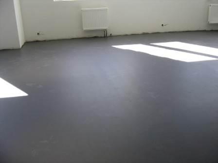 Чтобы выполнить корректный монтаж бетонной стяжки, необходимо понимать и выполнять ряд важных условий.
