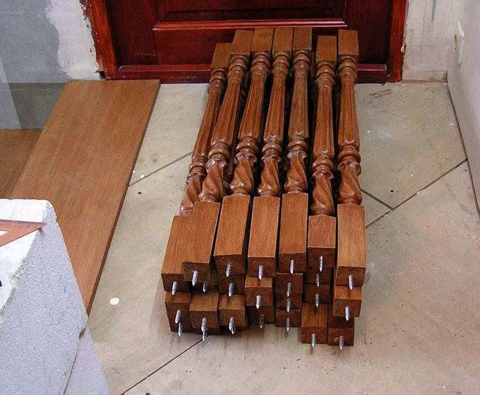 Деревянные изделия с заранее смонтированными крепежными элементами, которые достаточно ввернуть в материал