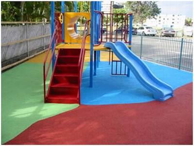 Детская площадка с резиновым покрытием