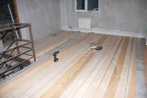 Доски деревянного пола