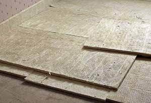 Два, три слоя джутового покрытия обеспечат и выравнивание полов в панельном доме и достаточную звукоизоляцию – цена всех работ минимальная