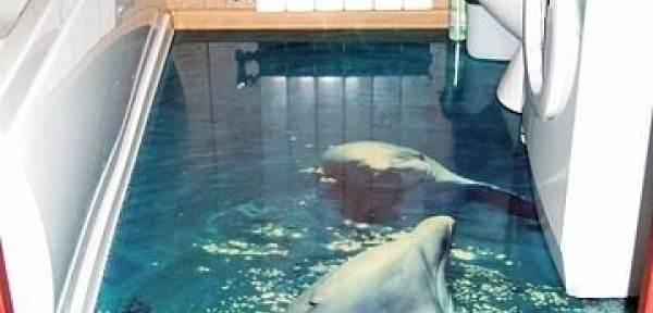 Это не аквариум, а полимерный пол в ванной
