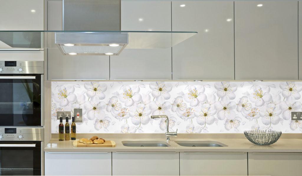 кухонный фартук мыльных цветов
