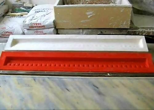 Фото: форма и короб для изготовления гипсового карниза