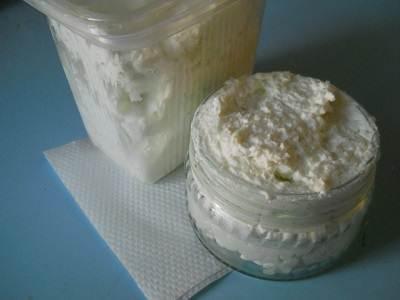 Фото готовой универсальной чистящей пасты, приготовленной из детского мыла и соды