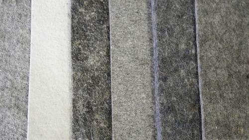 Фото натуральных войлочных покрытий различных цветов.