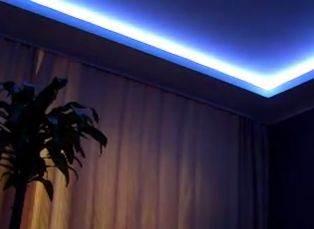 Фото одного из возможных решений со светодиодной лентой.