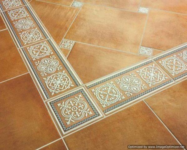 Фото плитки, уложенной на деревянную поверхность