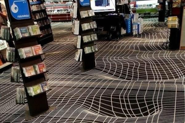 Фото трёхмерного покрытия в помещении магазина с высокой посещаемостью