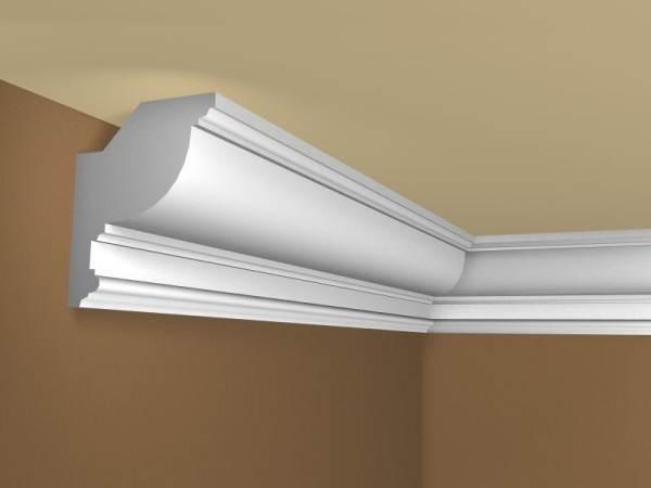 Изделия большого размера из пенопласта легко крепятся к потолку при помощи специального клея