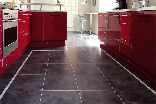 Какой выбрать ламинат для кухни – конечно 32 класса с имитацией плитки или камня