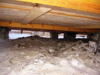 Лаги обязательны в том случае, когда дом возводится на столбчатом фундаменте