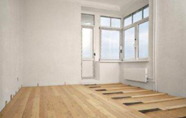 Монтаж деревянного покрытия на бетонной основе.