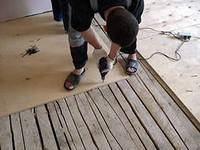 Монтаж на старый, деревянный пол.
