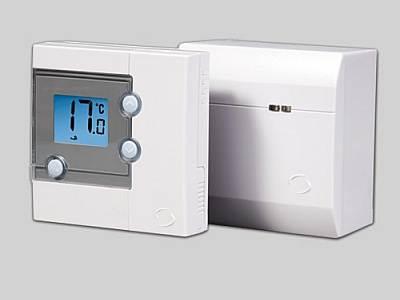 На фото - электронный термостат