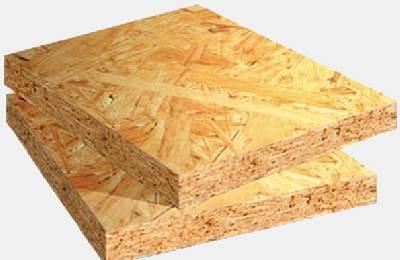 На фото – плита OSB, предназначенная не только для пола, но и для потолков в загородных домах