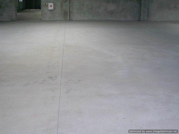 На фото – укрепленное бетонное основание.