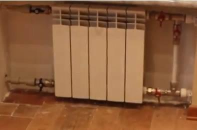 На фото изображен биметаллический радиатор отопления