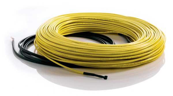 На фото нагревательный кабель