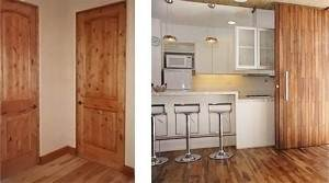 На фото основание и двери в коридоре и кухне подобраны в одинаковом тоне.