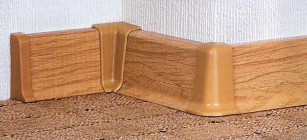 На фото показано, как можно красиво оформить переходы между стеной и полом.