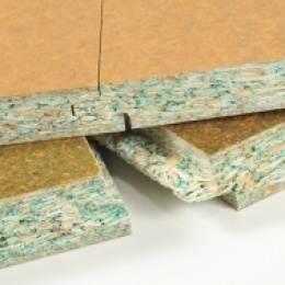 Обратите внимание, что водостойкая фанера имеет в разрезе характерный зеленый оттенок.