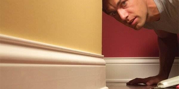 Очень важно следить за тем, чтобы между панелью и стеной не было зазоров. Зазоры могут быть заделаны при помощи герметика.