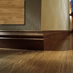 Оригинальный деревянный плинтус