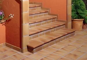 Плинтус для лестницы