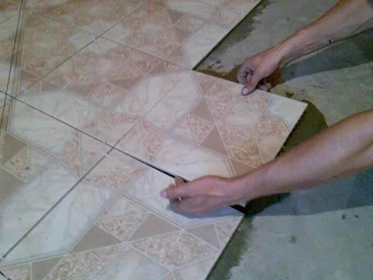 Плитка с рисунком - дорогой и сложный вариант пола