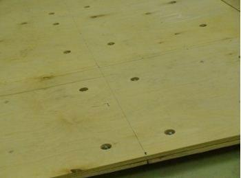 Плиты отличаются только тем, что служит конечным слоем, необходимым для укладки напольных покрытий
