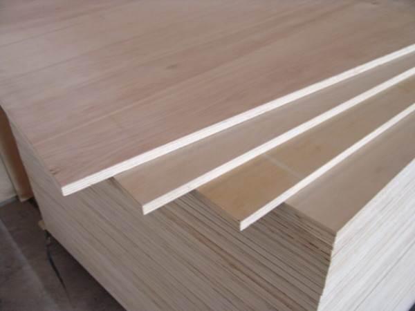 Прессованная древесина обладает рядом недостатков, связанных с ее физическими и химическими свойствами.