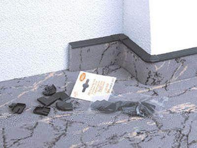 Приспособление для обрамления пола из ковролина или линолеума.