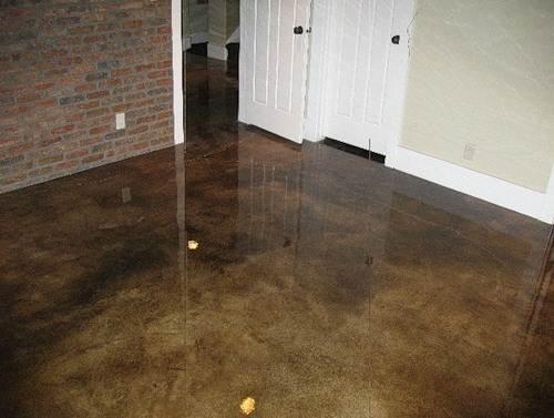 Профессионально окрашенный бетонный пол
