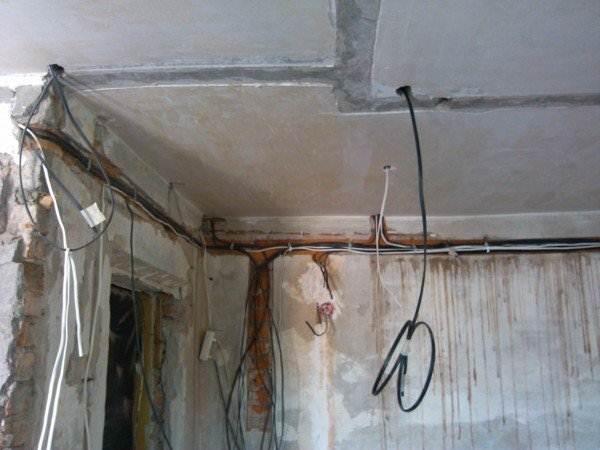 Прокладка скрытой проводки – трудоемкое занятие!
