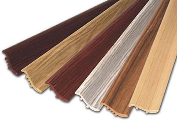 ПВХ-панели различных цветов.