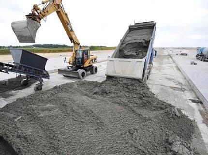 Расход материала в кубах обычно производят только при масштабном строительстве