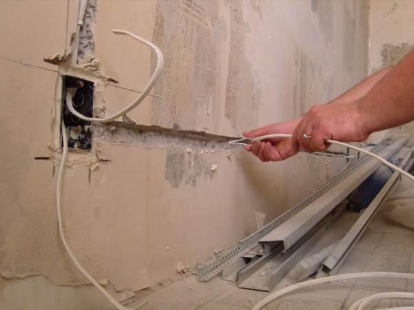 Скрытый монтаж в стенах: надежно, но трудоемко