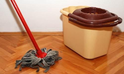 Современная швабра для мытья полов