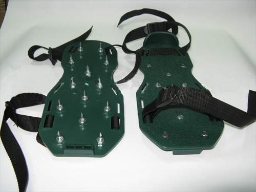 Специальная обувь для ходьбы по незастывшему покрытию во время монтажа.