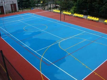 Спортивная площадка с покрытием из линолеума