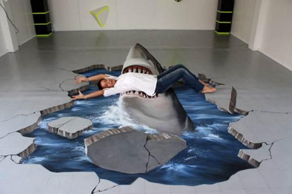 Трехмерная акула на полу