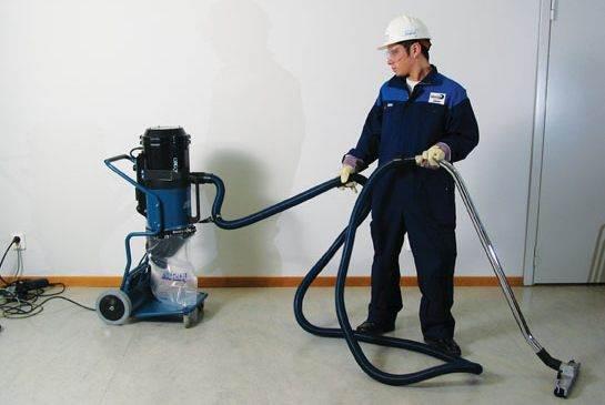 Уборка промышленным пылесосом