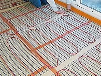 В состав электрических теплых полов арматура уже включена.