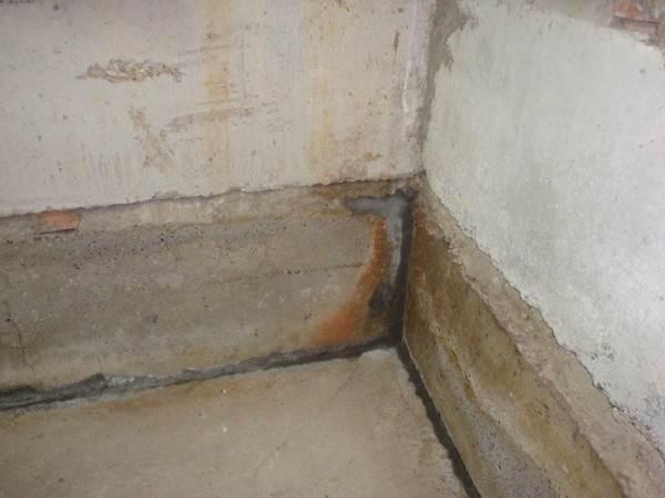 Возникновение конденсата на стыках бетонных формирований