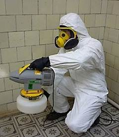 Все работы лучше всего производить с использованием защитных средств и при возможности использовать специализированное оборудование