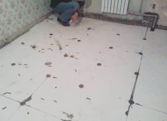 Желательно замазать все стыки листов пенопласта шпаклевкой